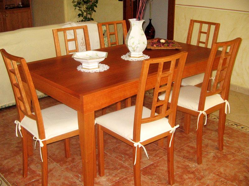 18_tavolo-con-sedie